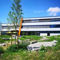 IHSE Firmensitz mit Biotop